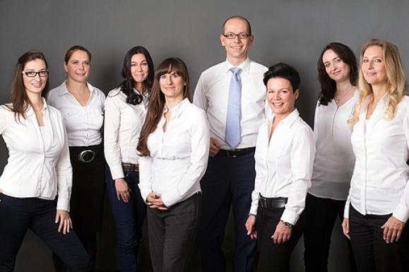 Business-Fotografie: Business-Portrait Gruppenaufnahme BKW Baufinanzierung