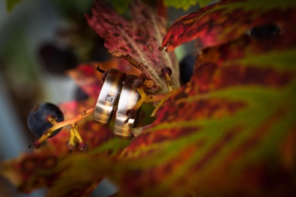 Hochzeitsfotograf - Ringe im Wein