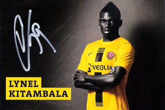 Firmenfotograf - Autogrammkarte Saison 2012/13 der SG Dynamo Dresden mit Lynel Kitambala