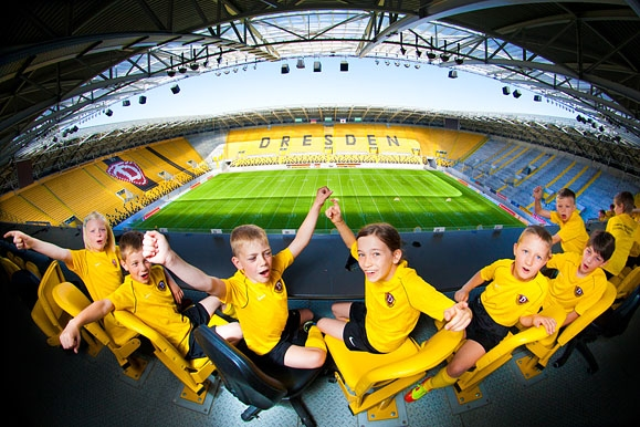 Firmenfotograf - Feature Stadionatmosphäre für die SG Dynamo Dresden